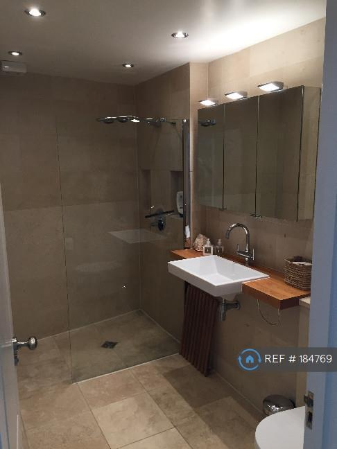 Main Bathroom (Wet Room)