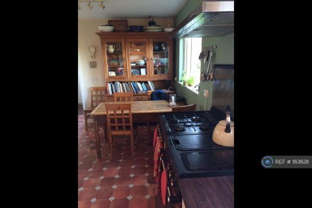 Kitchen / Diner With Propane Gas Range Cooker