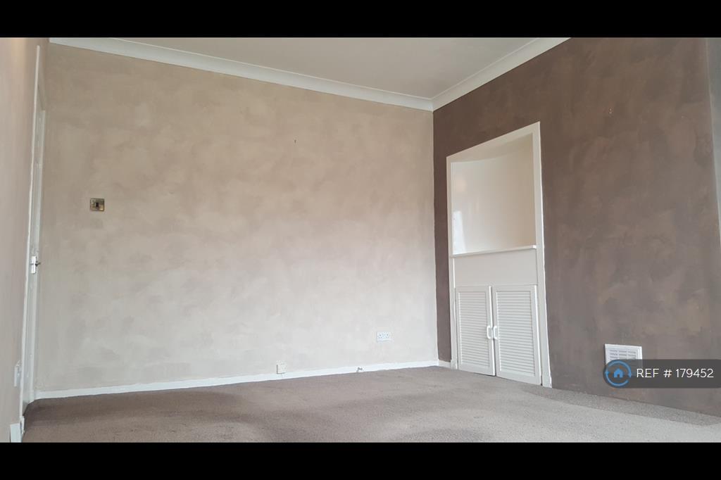 Large Lounnge Room.
