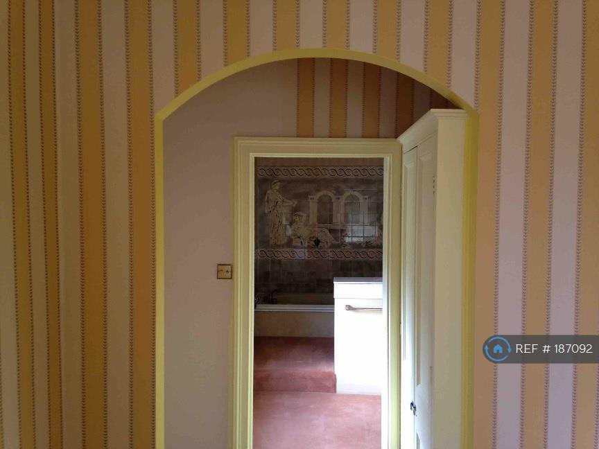 Master Bedroom To En Suite