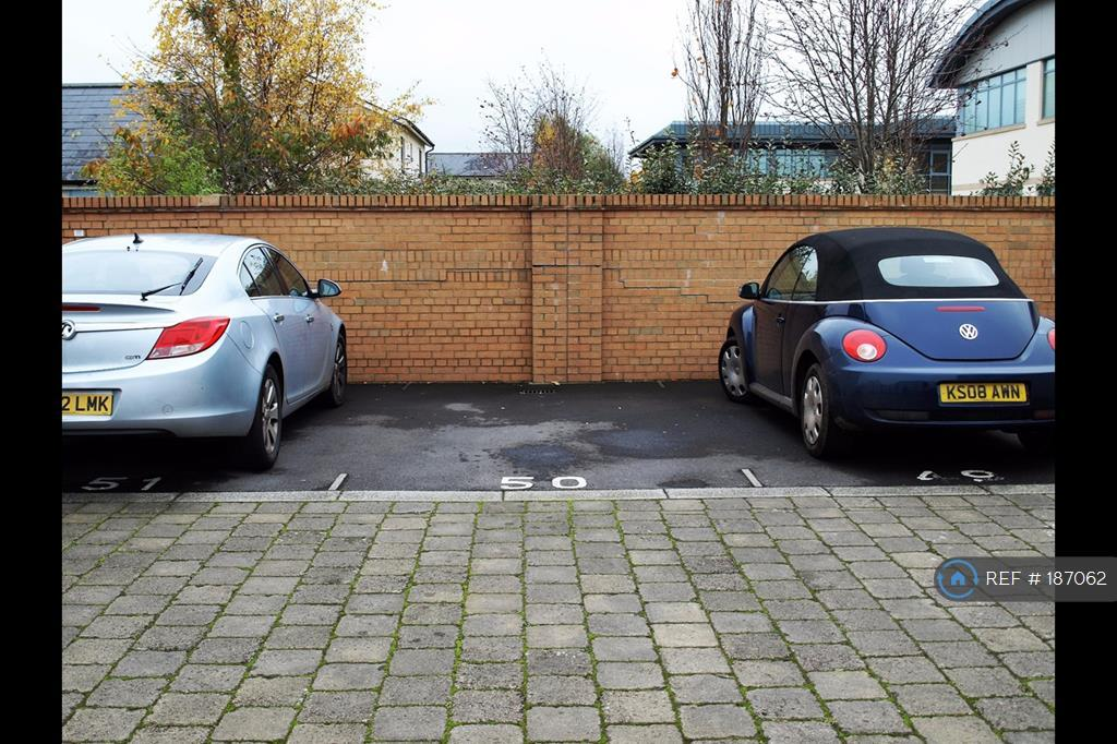 1 Parking Space