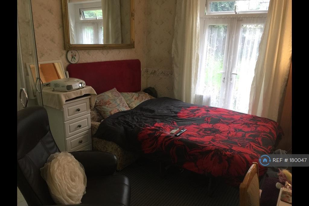 Bedroom 2 In Bedroom Mode