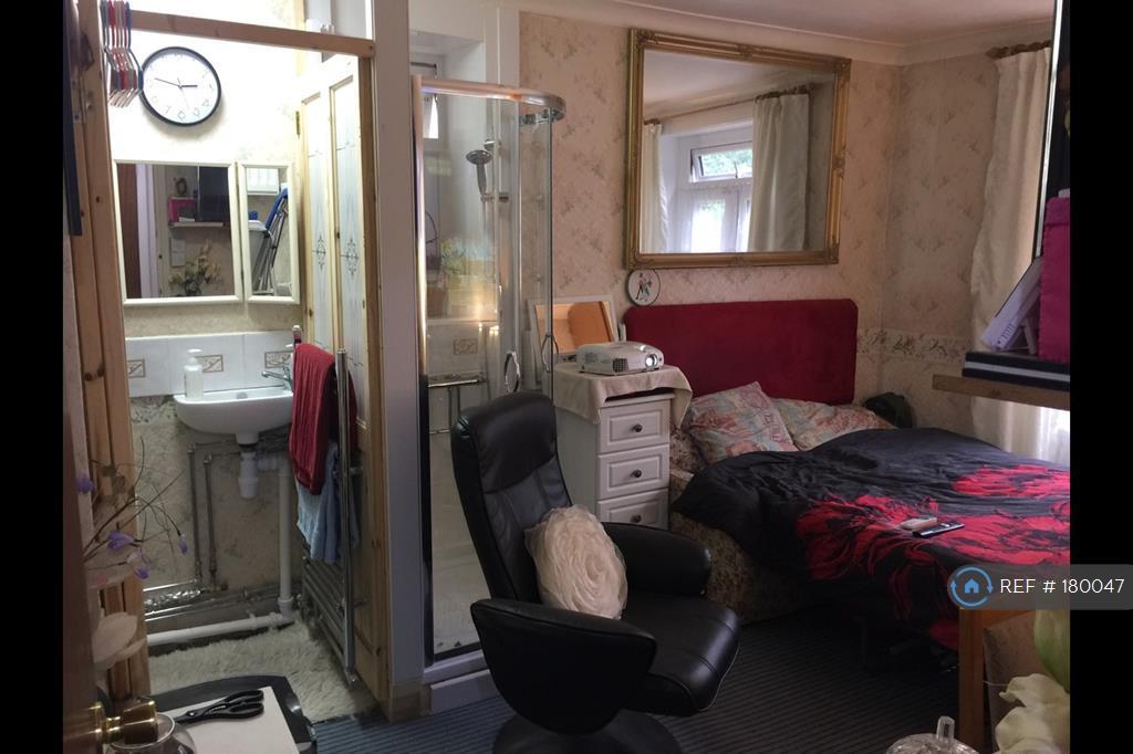 Bedroom 2 In Bedroom Mode With Shower