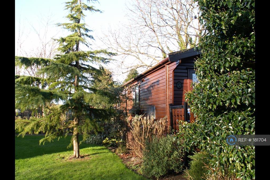 Kingfisher Lodge Side