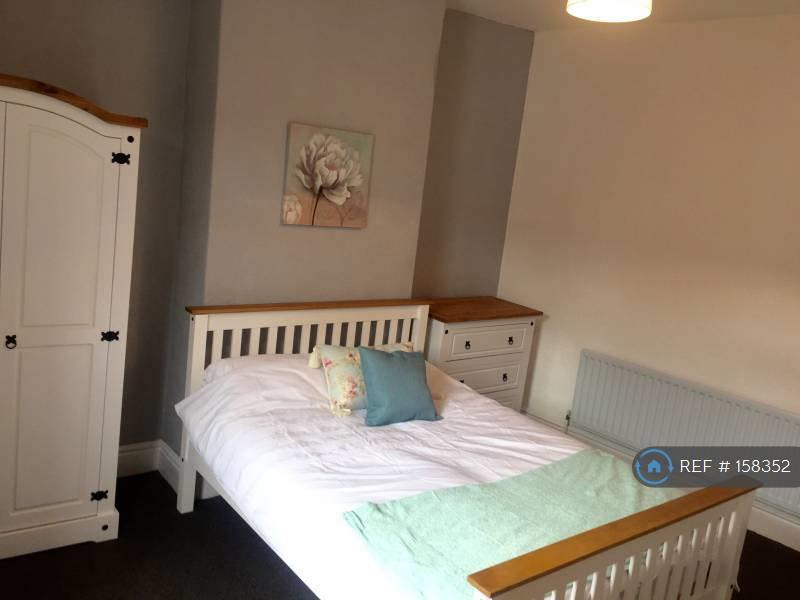 Room 2 - Double Bedroom £345