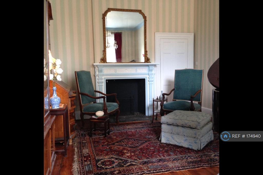 Music Room South
