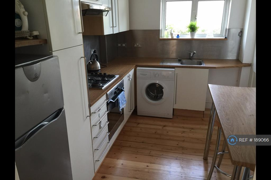 bedroom flat to rent in colney hatch lane london n10 n10