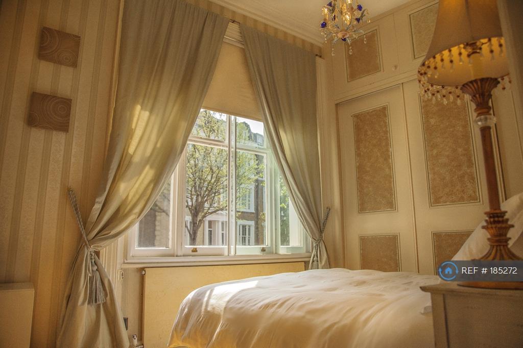 Bedroom - Double Gazed Window