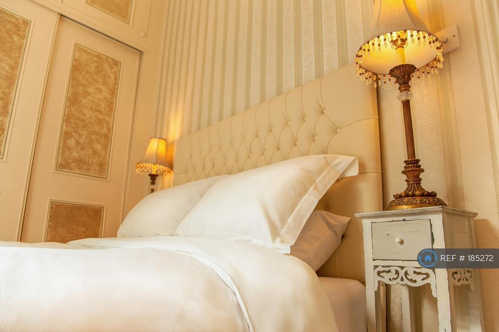 Bedroom - Comfortable Bed