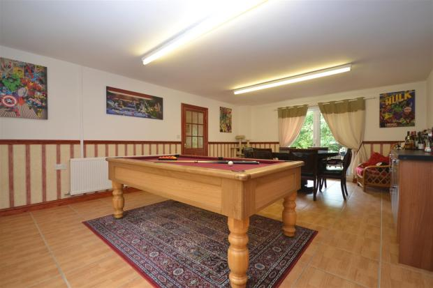 Games Room/Dining Ro