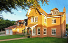 6 bedroom Detached home for sale in 19b Tadcaster Road...