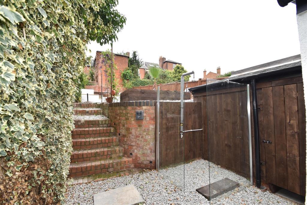Courtyard Area.JPG