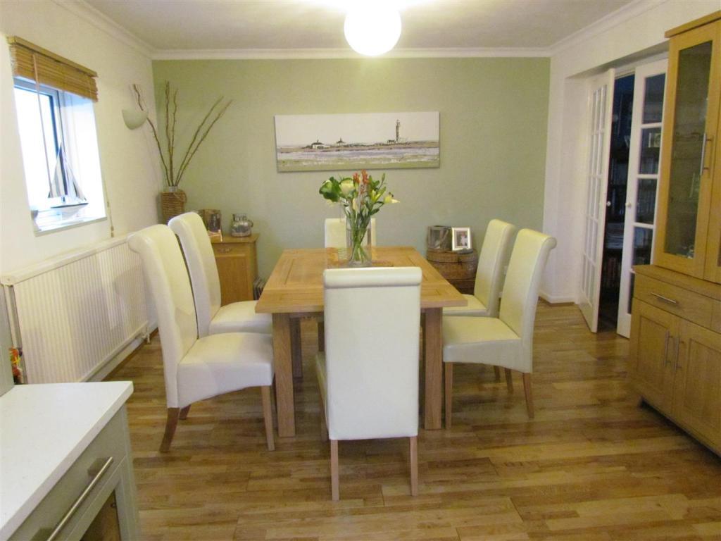Dining Room Regina.J