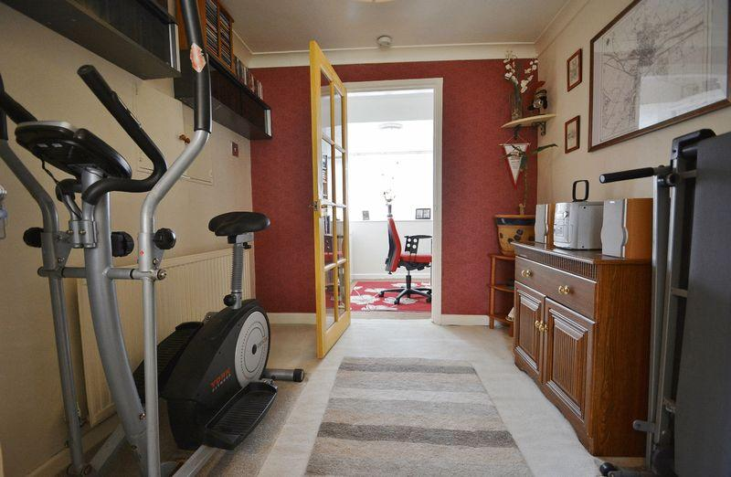 3 Bedroom Semi Detached House For Sale In Middle Way Chinnor OX39