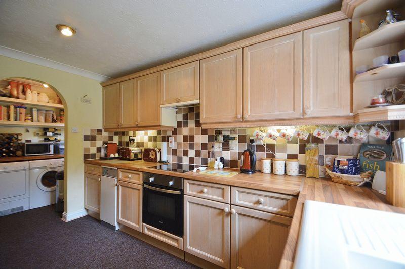 Kitchen to Uti...