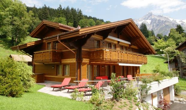 4 bedroom chalet for sale in bern grindelwald switzerland for Swiss chalets for sale