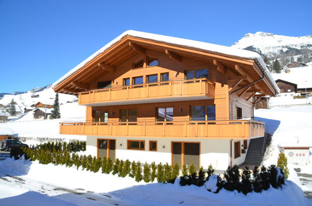 5 bedroom chalet for sale in bern grindelwald switzerland for Swiss chalets for sale