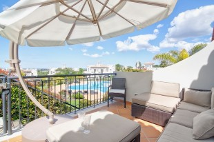 4 bed Terraced home for sale in Algarve, Almancil