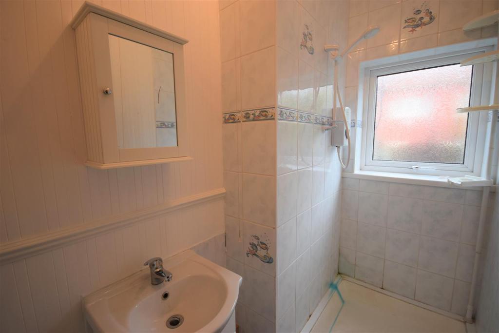 4 acuba bathroom.jpg