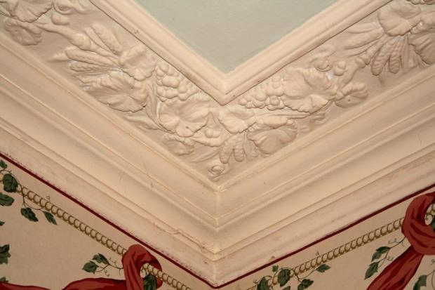 Ornate ceiling...