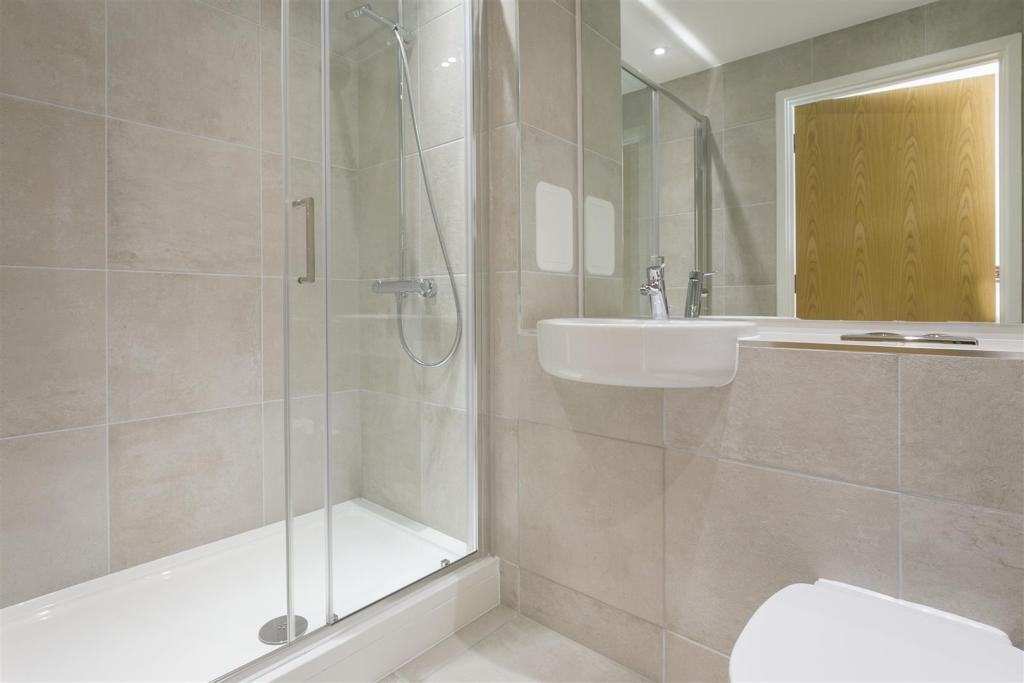 Plot 34 - Bathroom.j