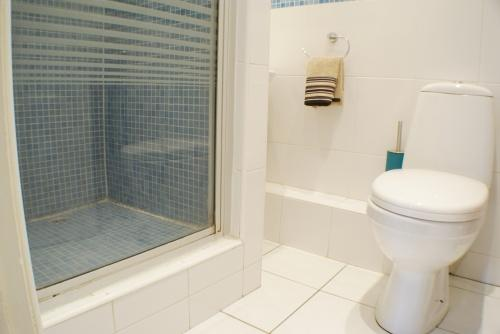 Annex: Shower Room Suite