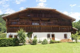 8 bed Chalet in Samoëns, Haute Savoie...
