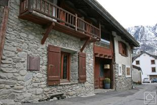 Argenti�re Chalet for sale