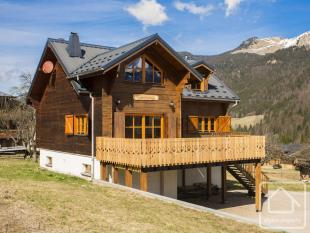 5 bed Chalet for sale in Essert Romand...
