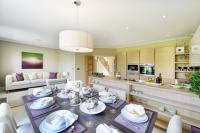 4 bed new property in Highwood Hills Farm Lane...