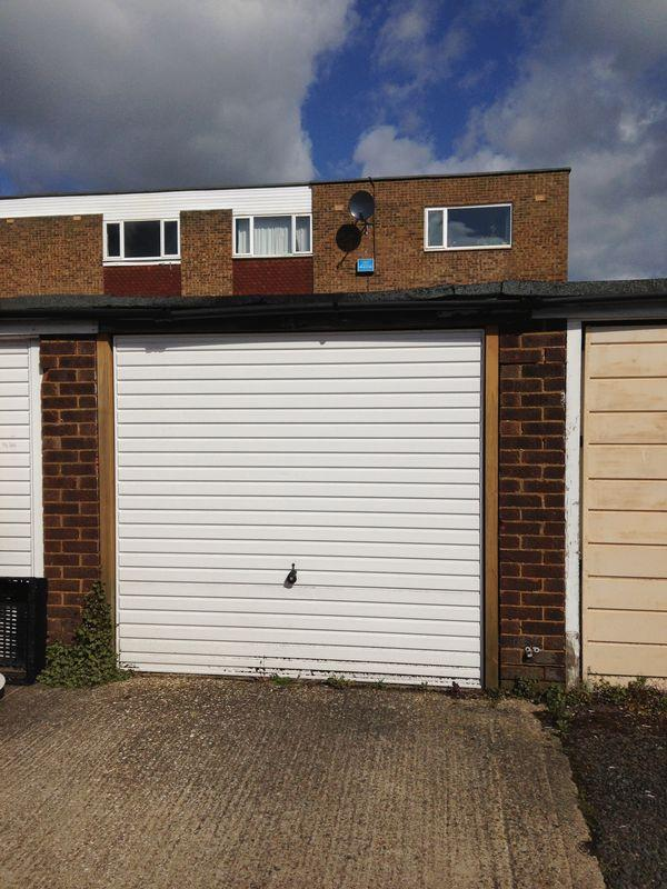 Garage To Rent In Jansel Square Bedgrove Aylesbury