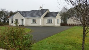 3 bed Detached house for sale in Roscommon, Loughglinn