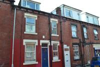 Terraced property to rent in Harold Walk, Leeds