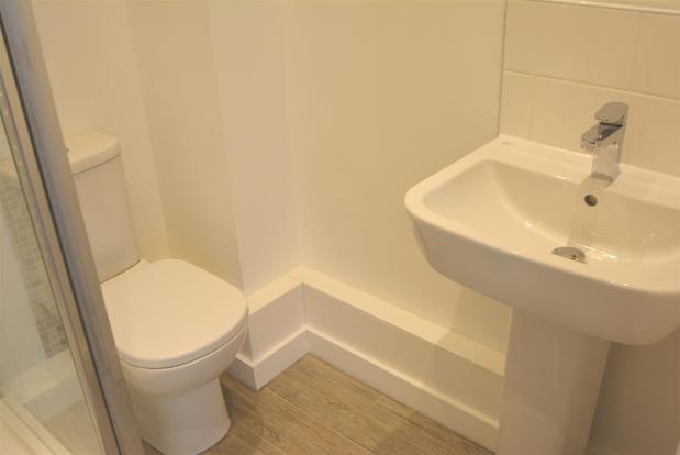 Bathroom..jpg