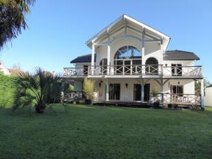 5 bedroom house in PAU...
