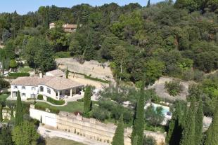 5 bed house for sale in CHATEAUNEUF DU PAPE...