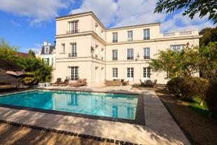 SAINT CLOUD property for sale