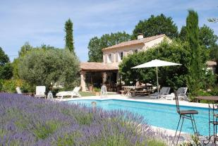 4 bedroom house for sale in LAGNES, The Luberon...