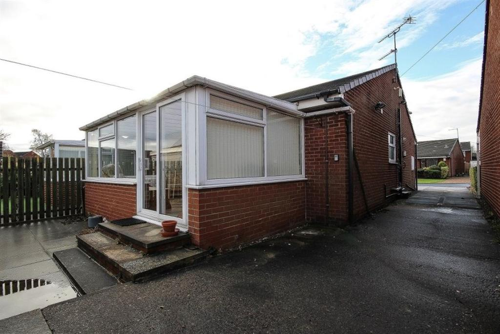 2 Bedroom Bungalow To Rent In Romford Avenue Leeds West