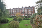 4 bed Flat in Willoughby Road...