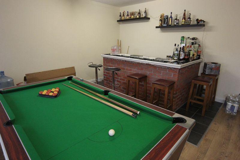 Games Room/ Bar