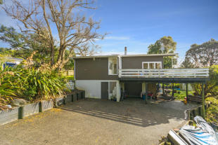 property for sale in Swanson, Auckland, New Zealand
