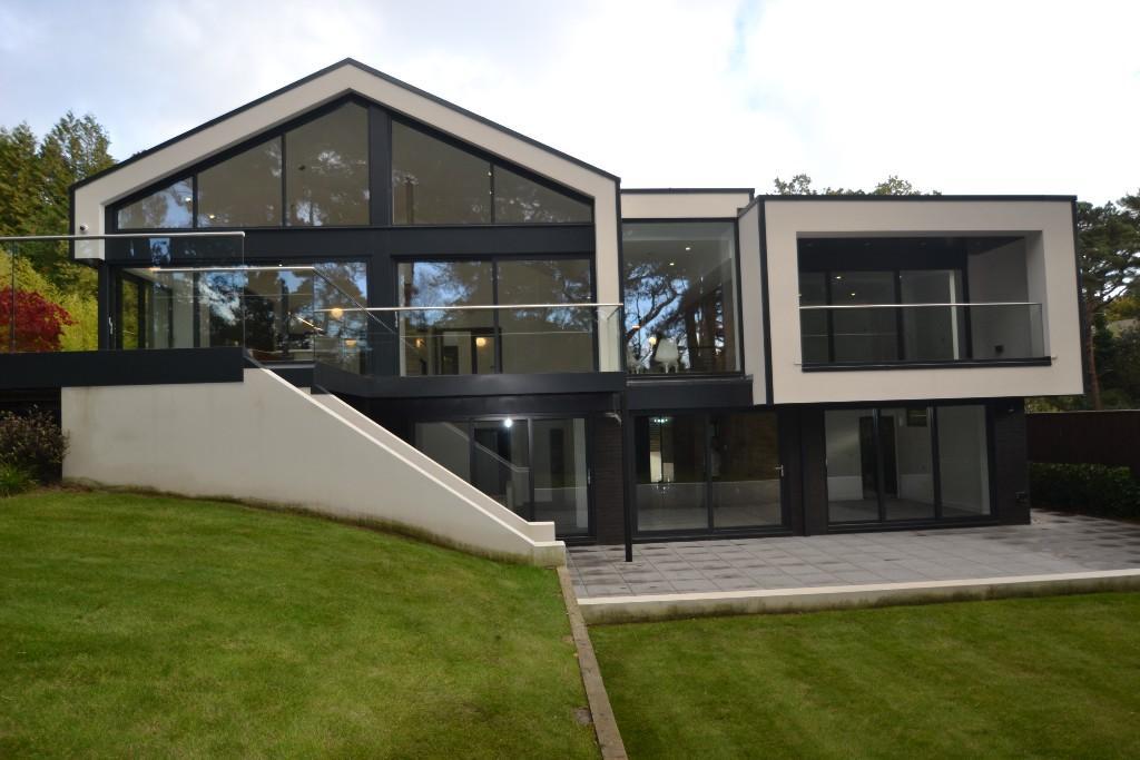 Husen,Rear Elevation