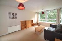 2 bed Flat in Warwick Crest...