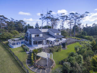 property for sale in Wade River Road, Arkles Bay, Auckland, New Zealand
