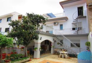 Terraced home for sale in Gandía, Valencia...