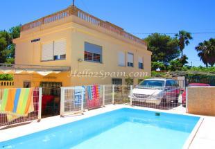 7 bed Detached Villa for sale in Gandía, Valencia...
