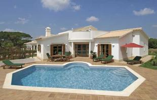 Villa for sale in burgau, Western Algarve