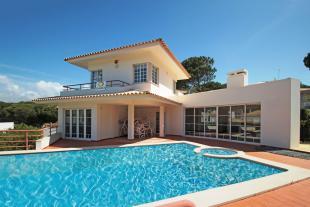 9 bed Villa in Vilas Alvas...
