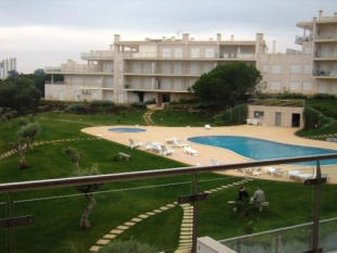Apartment for sale in Olhos D' Agua, Algarve...